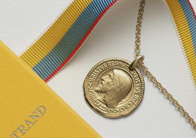 Médailles aux symboles religieux'